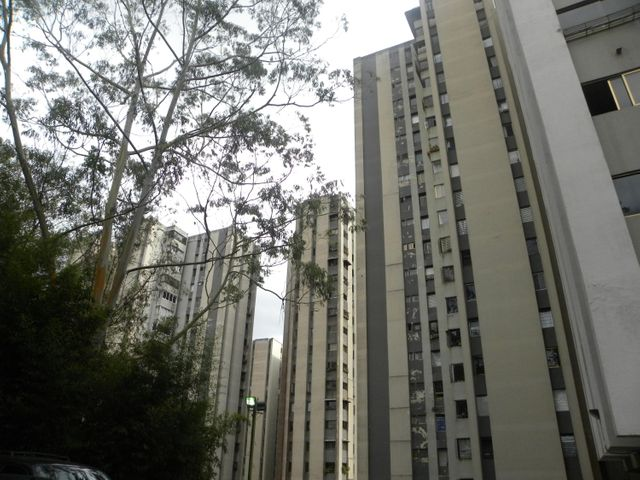 Apartamento Miranda>San Antonio de los Altos>Los Salias - Venta:28.000 Precio Referencial - codigo: 20-17150