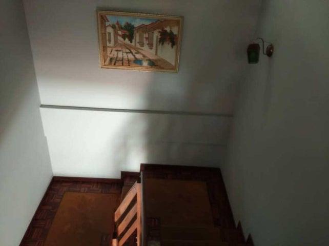 Casa Distrito Metropolitano>Caracas>Alto Prado - Venta:260.000 Precio Referencial - codigo: 20-17174
