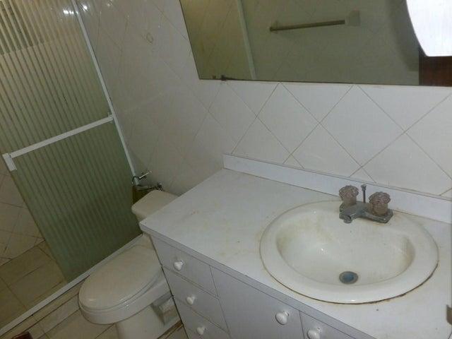 Apartamento Distrito Metropolitano>Caracas>Los Chorros - Venta:155.000 Precio Referencial - codigo: 20-17166