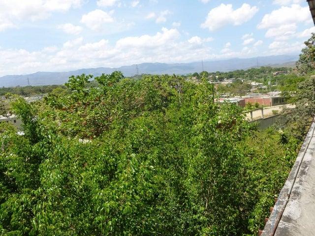 Terreno Miranda>Valles del Tuy>Santa Teresa del Tuy - Venta:2.000.000 Precio Referencial - codigo: 20-17172