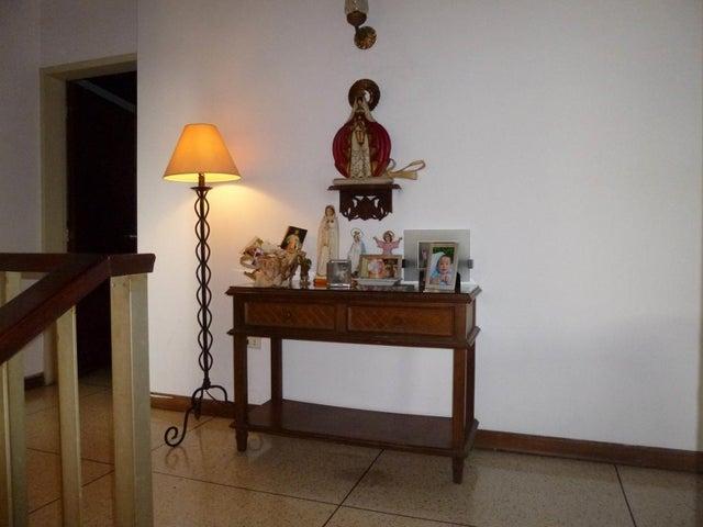 Casa Distrito Metropolitano>Caracas>Lomas de San Rafael de La Florida - Venta:250.000 Precio Referencial - codigo: 20-17266