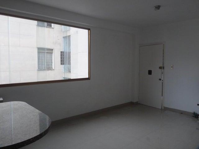 Apartamento Distrito Metropolitano>Caracas>El Bosque - Venta:47.000 Precio Referencial - codigo: 20-17279