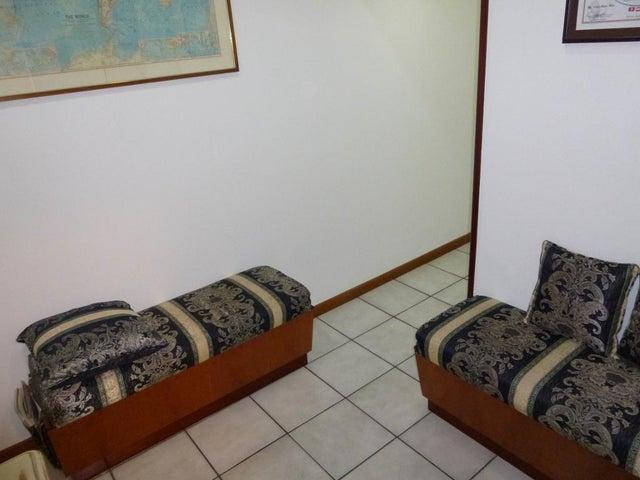 Local Comercial Distrito Metropolitano>Caracas>La Florida - Venta:110.000 Precio Referencial - codigo: 20-17288