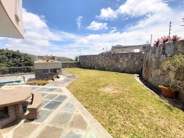 Casa Miranda>San Antonio de los Altos>Club de Campo - Venta:699.000 Precio Referencial - codigo: 20-17564