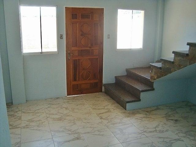 Townhouse Anzoategui>El Tigre>Pueblo Nuevo Sur - Venta:18.000 Precio Referencial - codigo: 20-17590