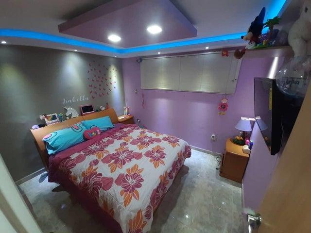 Apartamento Nueva Esparta>Margarita>Playa el Angel - Venta:69.500 Precio Referencial - codigo: 20-17681