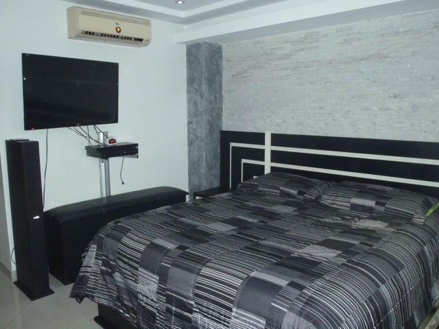 Apartamento Distrito Metropolitano>Caracas>El Paraiso - Venta:98.000 Precio Referencial - codigo: 20-17956