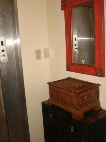 Apartamento Distrito Metropolitano>Caracas>La Alameda - Venta:280.000 Precio Referencial - codigo: 20-18071