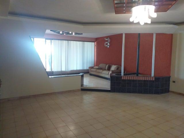 Apartamento Falcon>Coro>Centro - Venta:200.000 Precio Referencial - codigo: 20-18076