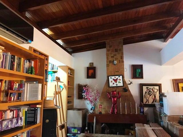 Apartamento Distrito Metropolitano>Caracas>Cumbres de Curumo - Venta:400.000 Precio Referencial - codigo: 20-18087