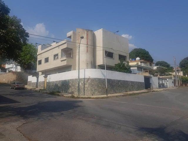 Casa Vargas>Parroquia Caraballeda>Palmar Este - Venta:230.000 Precio Referencial - codigo: 20-18105