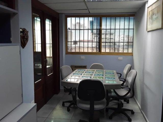 Local Comercial Distrito Metropolitano>Caracas>El Recreo - Alquiler:600 Precio Referencial - codigo: 20-18094