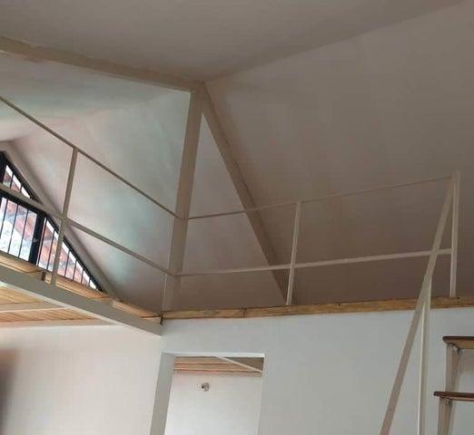 Casa Merida>Tabay>El Rosal - Venta:12.000 Precio Referencial - codigo: 20-18096