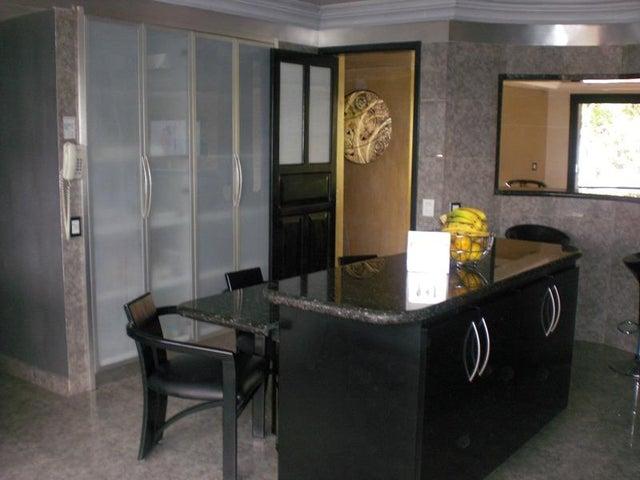 Apartamento Distrito Metropolitano>Caracas>Los Palos Grandes - Venta:700.000 Precio Referencial - codigo: 20-18102