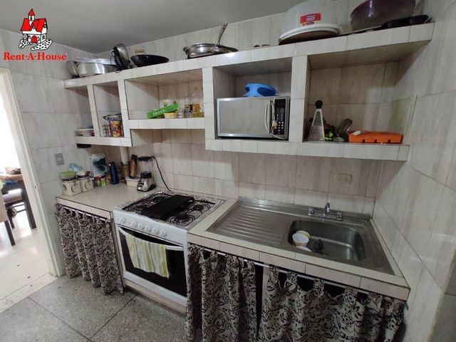 Apartamento Aragua>Maracay>Los Caobos - Venta:21.000 Precio Referencial - codigo: 20-18270
