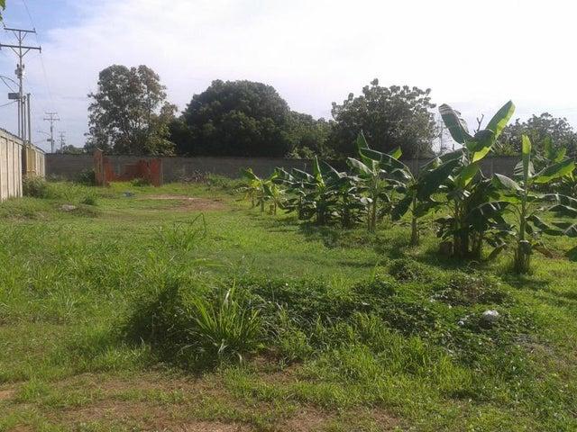 Terreno Zulia>Ciudad Ojeda>La N - Venta:15.000 Precio Referencial - codigo: 20-15808