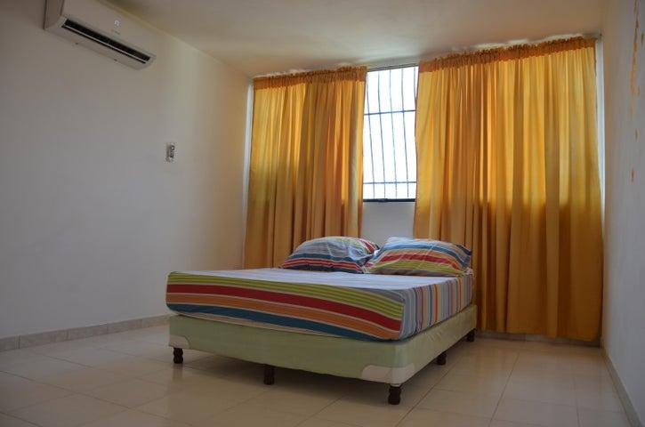 Apartamento Carabobo>Municipio Naguanagua>El Guayabal - Venta:12.000 Precio Referencial - codigo: 20-18418