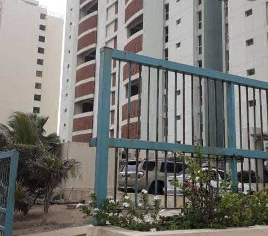Apartamento Vargas>Catia La Mar>Playa Grande - Venta:85.000 Precio Referencial - codigo: 20-18591