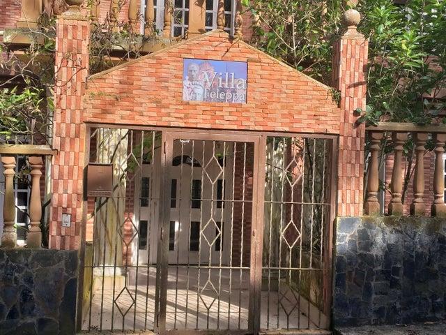 Casa Miranda>Municipio Los Salias>Mirador Panamericano - Venta:450.000 Precio Referencial - codigo: 20-18878