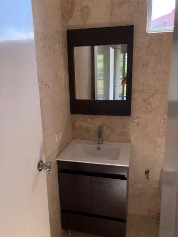 Apartamento Distrito Metropolitano>Caracas>La Castellana - Venta:270.000 Precio Referencial - codigo: 20-18933