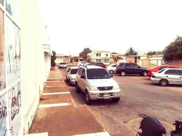 Local Comercial Zulia>Cabimas>Carretera H - Venta:6.500 Precio Referencial - codigo: 20-19188