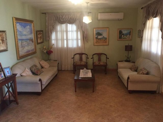 Casa Falcon>Punto Fijo>Judibana - Venta:40.000 Precio Referencial - codigo: 20-19261