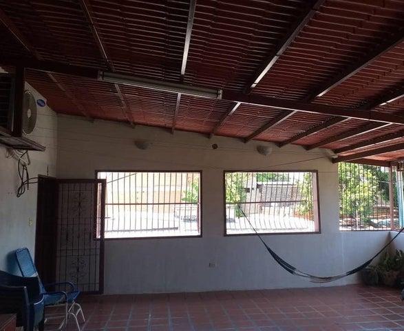 Casa Aragua>Maracay>23 de Enero - Venta:27.000 Precio Referencial - codigo: 20-19370