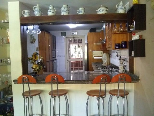 Townhouse Miranda>Guatire>El Castillejo - Venta:65.000 Precio Referencial - codigo: 20-19707