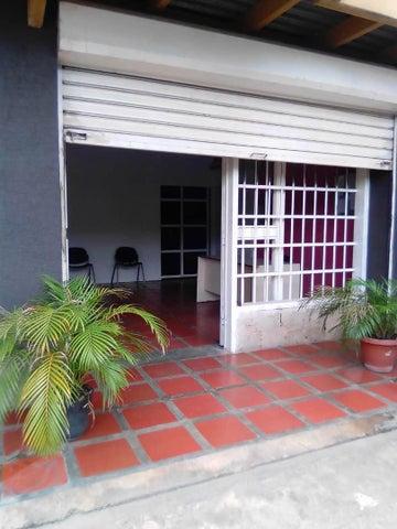 Local Comercial Anzoategui>Puerto La Cruz>Puerto La Cruz - Alquiler:400 Precio Referencial - codigo: 20-19700
