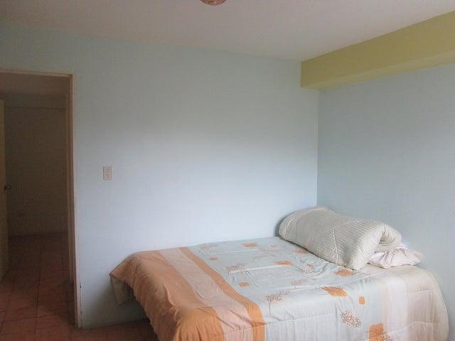 Apartamento Miranda>Municipio Los Salias>Agua Linda - Alquiler:230 Precio Referencial - codigo: 20-19876