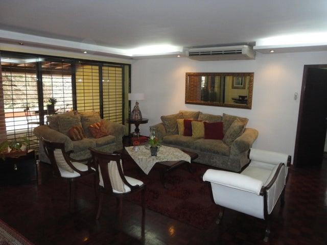Apartamento Distrito Metropolitano>Caracas>Cumbres de Curumo - Venta:280.000 Precio Referencial - codigo: 20-19964