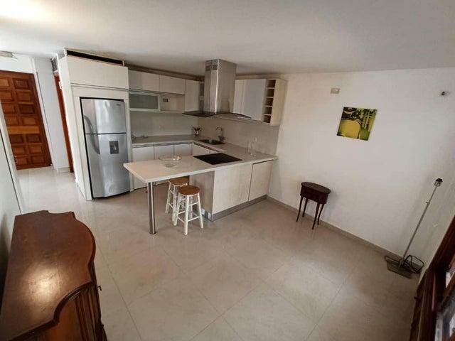 Apartamento Nueva Esparta>Margarita>Pampatar - Venta:27.000 Precio Referencial - codigo: 20-20008