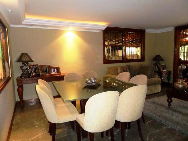 Casa Distrito Metropolitano>Caracas>Los Naranjos del Cafetal - Venta:475.000 Precio Referencial - codigo: 20-22756