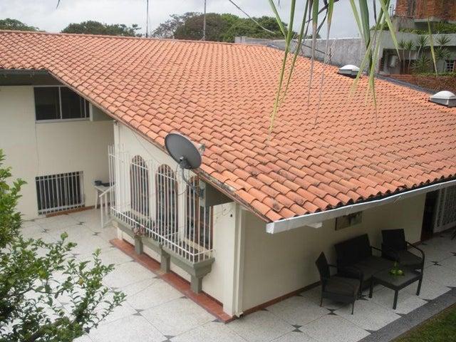 Casa Distrito Metropolitano>Caracas>El Marques - Venta:180.000 Precio Referencial - codigo: 20-20148