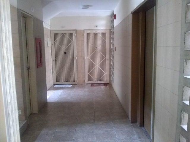 Apartamento Distrito Metropolitano>Caracas>Montalban II - Venta:61.000 Precio Referencial - codigo: 20-20626
