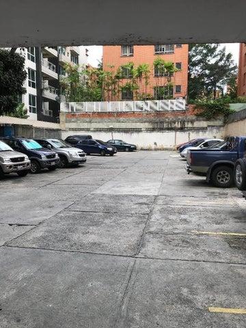 Apartamento Distrito Metropolitano>Caracas>Chacao - Venta:60.000 Precio Referencial - codigo: 20-20603