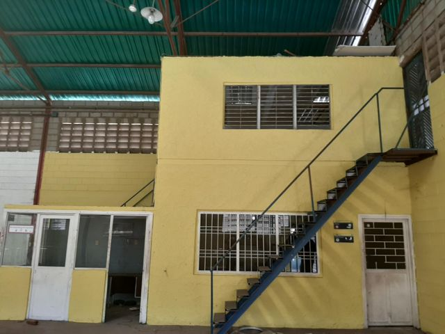 Galpon - Deposito Zulia>Maracaibo>Avenida Goajira - Venta:75.000 Precio Referencial - codigo: 20-20407