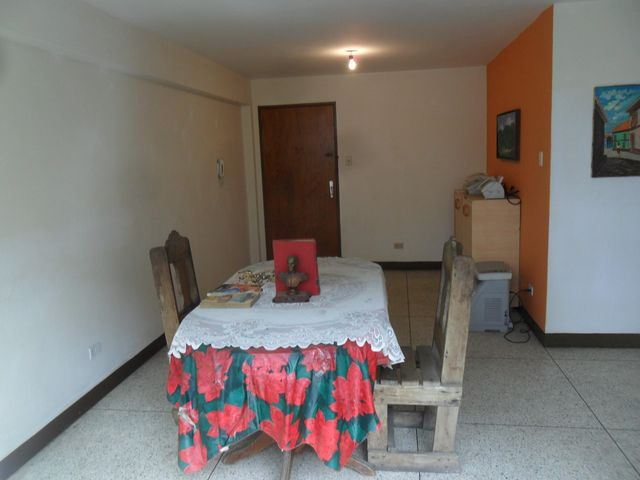 Apartamento Distrito Metropolitano>Caracas>Parroquia Altagracia - Venta:16.000 Precio Referencial - codigo: 20-20748