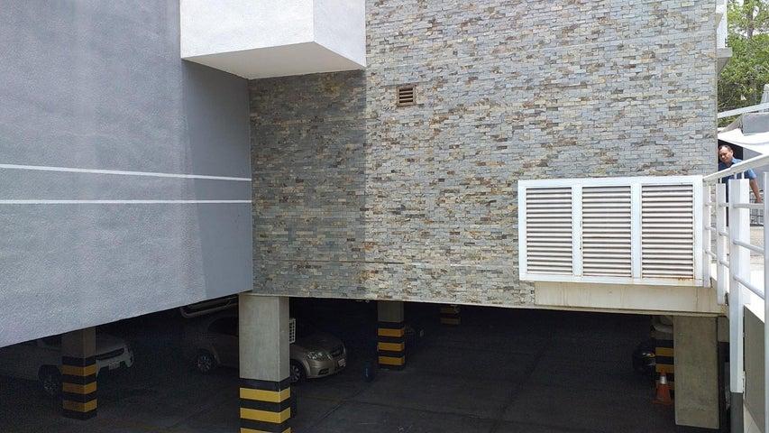 Apartamento Lara>Barquisimeto>Centro - Venta:27.000 Precio Referencial - codigo: 20-20619