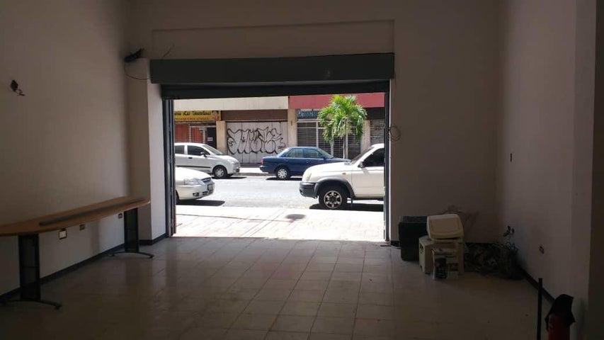 Local Comercial Distrito Metropolitano>Caracas>Parroquia La Candelaria - Venta:65.000 Precio Referencial - codigo: 20-20606
