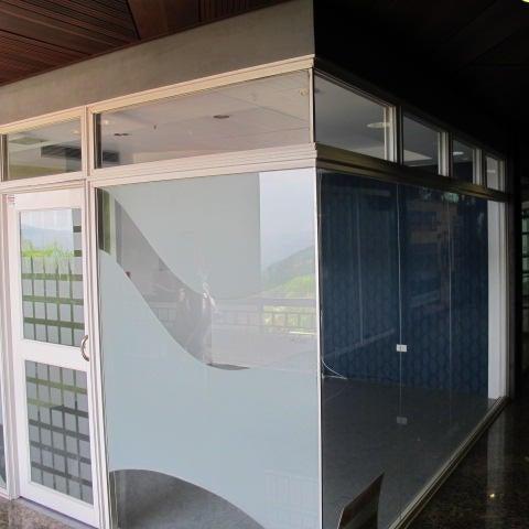 Local Comercial Distrito Metropolitano>Caracas>La Lagunita Country Club - Venta:25.000 Precio Referencial - codigo: 20-20589
