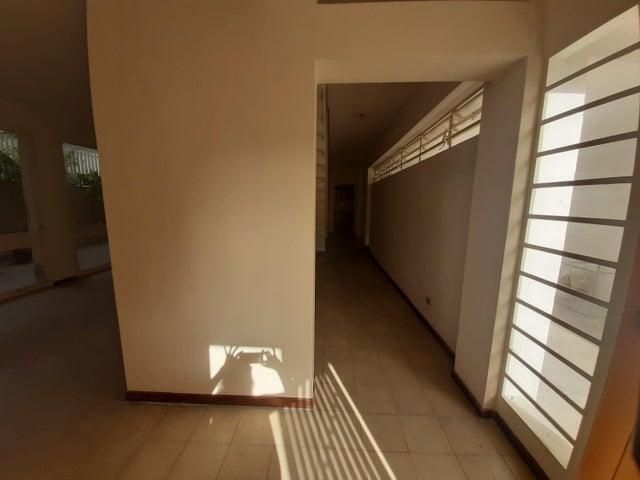 Casa Distrito Metropolitano>Caracas>Chacao - Venta:350.000 Precio Referencial - codigo: 20-20609