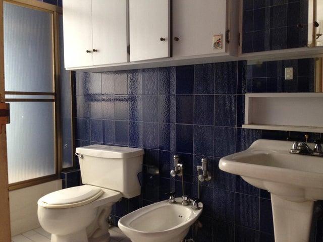 Apartamento Distrito Metropolitano>Caracas>La Urbina - Venta:60.000 Precio Referencial - codigo: 20-20613