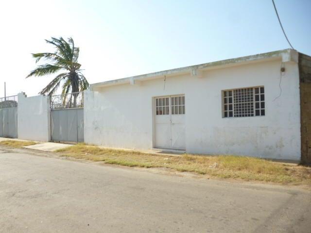 Galpon - Deposito Falcon>Punto Fijo>Santa Elena - Venta:110.000 Precio Referencial - codigo: 20-21599