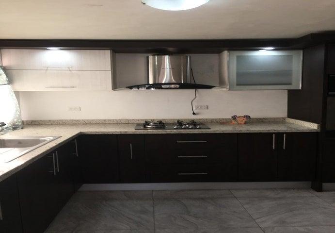 Apartamento Zulia>Ciudad Ojeda>Avenida Vargas - Alquiler:120 Precio Referencial - codigo: 20-20698
