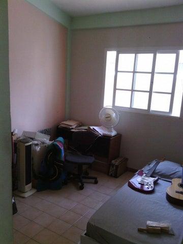 Casa Miranda>Guatire>Valle Arriba - Venta:55.000 Precio Referencial - codigo: 20-20697