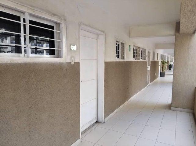 Apartamento Zulia>Maracaibo>Avenida El Milagro - Venta:14.000 Precio Referencial - codigo: 20-4867