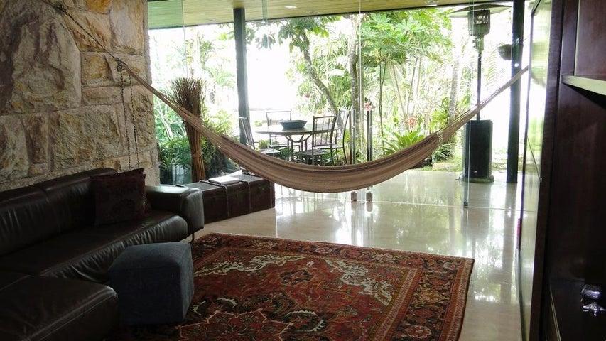 Casa Distrito Metropolitano>Caracas>Alto Hatillo - Venta:1.750.000.000 Precio Referencial - codigo: 20-20809