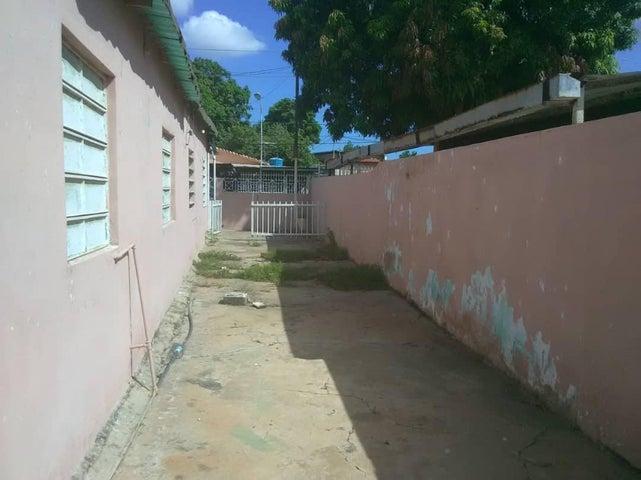 Casa Zulia>Maracaibo>Francisco de Miranda - Venta:4.500 Precio Referencial - codigo: 20-21115