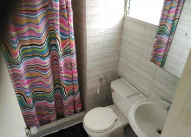 Apartamento Distrito Metropolitano>Caracas>Lomas del Avila - Venta:28.000 Precio Referencial - codigo: 20-21162